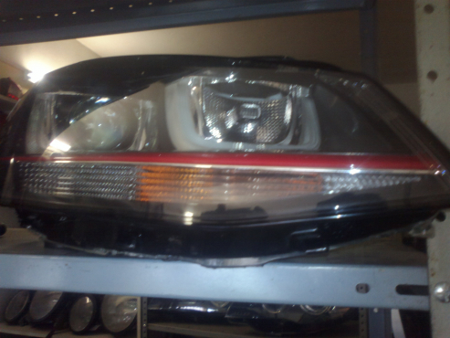 VW golf 7 gti right sid headlamp available  .