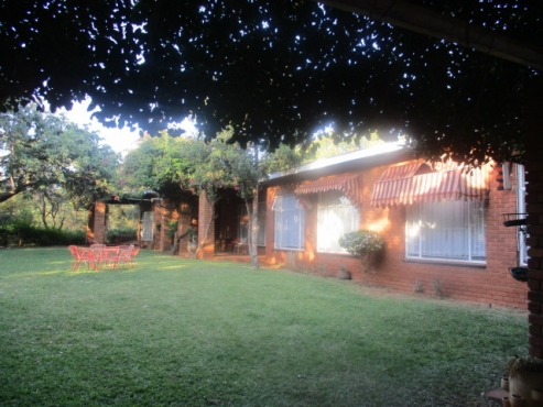 Nice Level farm Midway between Brits and Hartbeespoort