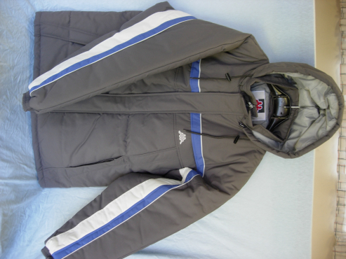Alpine Snow Sking Suit - Size Large - NEW