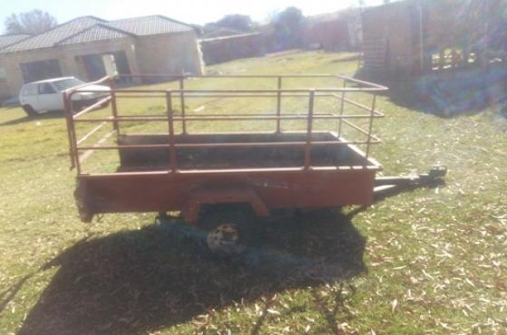 farm / sheep / small livestock trailer   Junk Mail