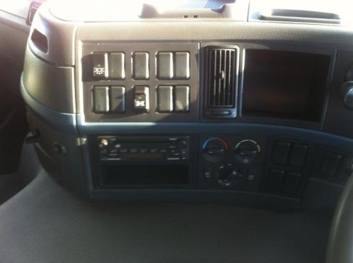 2007 Volvo , 8x4 , . Twinsteer , 9 Cube , Mixer Truck