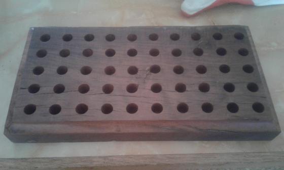 Bullet case trays