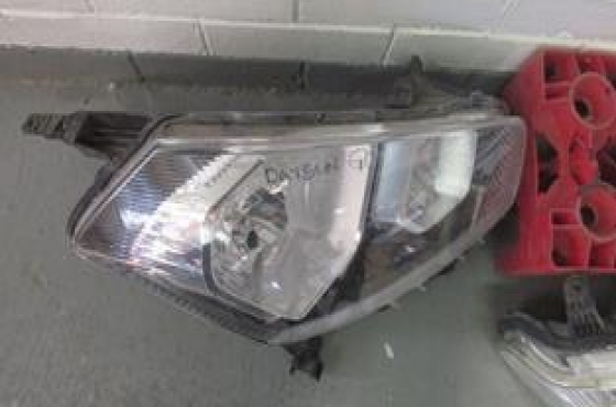 2017 Datsun Go Right Headlight For Sale