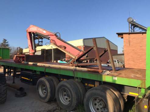 Excellent Tri Axel brick trailer