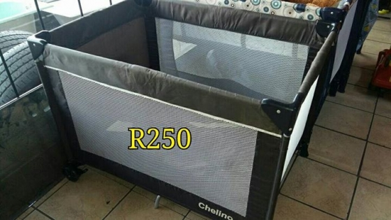 Camping cot for sale