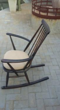 Antieke wieg stoel te koop