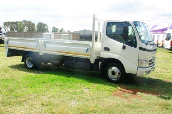 2009 Toyota Dyna dropside 4ton truck for sale in excellent condition!
