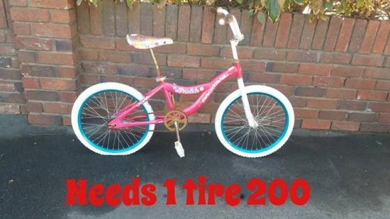 Pink kiddies bicycle for sale