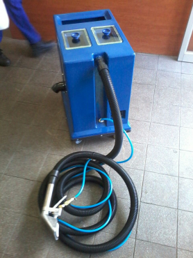 BRAND NEW CARPET- AND UPHOLSTERY CLEANER