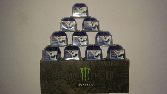 Monster box (limted edition) with bom cups to do shots.