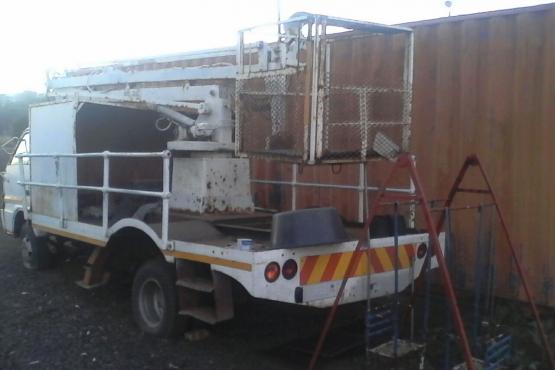 Isuzu  truck  and hydraulic  lift