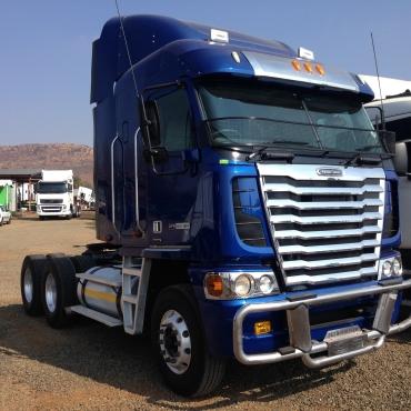 2014 Freightliner Argosy Trucks