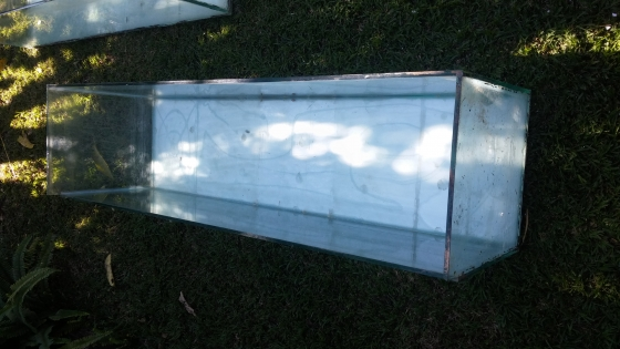 3 Big fishtanks for sale. With steel stand.