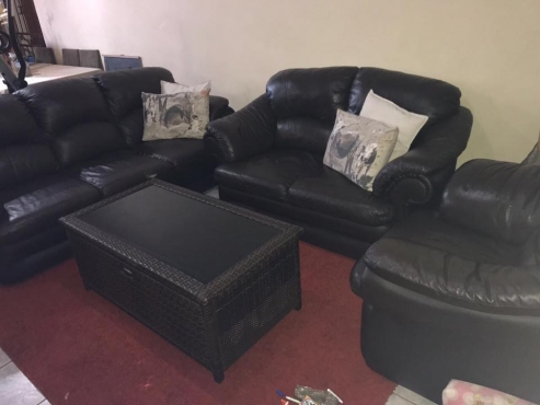 Upper leather couches for sale