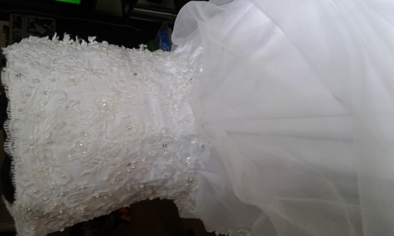 wedding dress.veil.hoop and ring pillow with tiara