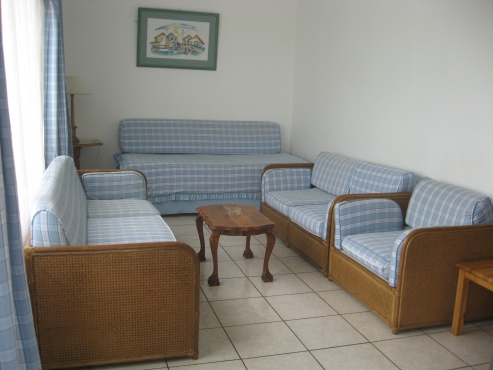 COMPANY EMPLOYEES FURNISHED ACCOMMODATION UMTENTWENI PORT SHEPSTONE AND SHELLY BEACH SHORT OR LONG TERM 1, 2, 3 AND 4 BEDROOM HOUSES, COTTAGES AND FLATS RENTALS