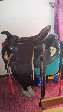 16.5 Western Saddle Dark brown Brand New