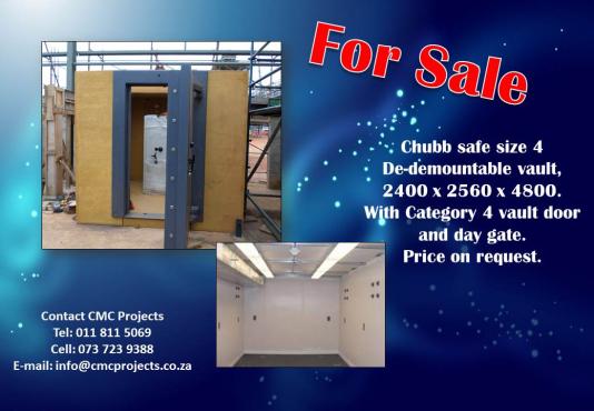 Chubb safe size 4 De-demountable vault | Junk Mail