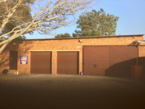 500 sqm Factory/workshop to rent on secure premises North of Pretoria