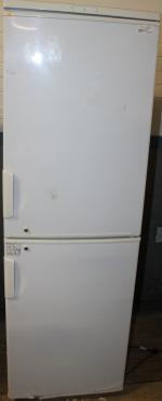 Master fridge S02526