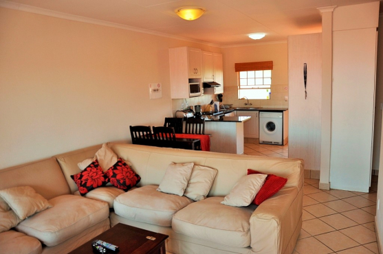 TO LET: FULLY FURNISHED SELF-CATERING 2 BEDROOM APARTMENT IN HAZELDEAN