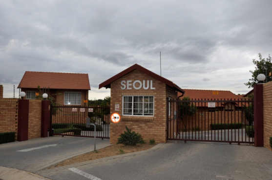FULLY FURNISHED 2 BEDROOM APARTMENT TO LET IN THE REEDS, CENTURION