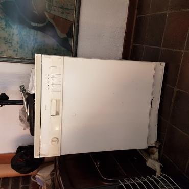 Bosch dishwasher for sale white in working order