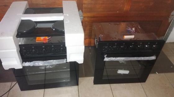 Kelvinator 600mm U/C hob and oven set