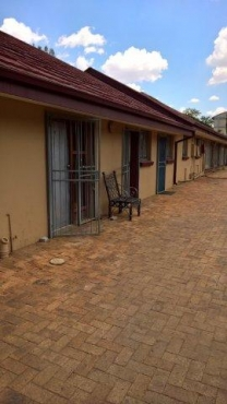 1 Bachelor available next to NWU in Potchefstroom. Meyer street
