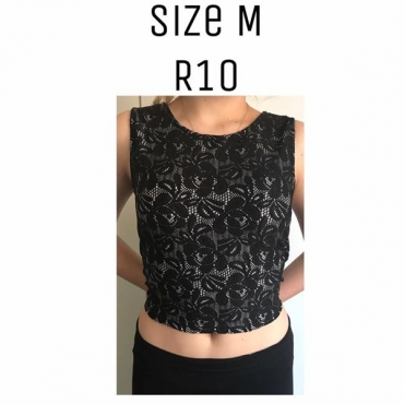 Medium sleeveless black top
