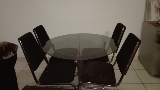 4 Seater Glass Dinning Room Table