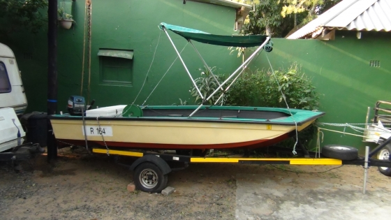 PHOTOGRAPHY/angling  TOURIST BOAT  TRIPOD swop for car/bakkie