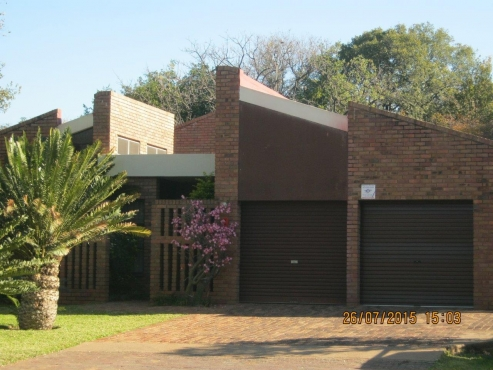 4 Bedroom single storey family home for sale.