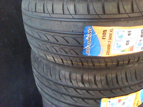 225/45/17 new tyres only R950 each!