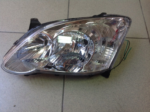 TOYOTA RUNX FACELIFT BRAND NEW HEADLIGHTS FOR SALE PRICE:R1100