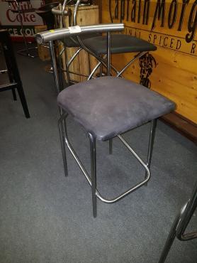 x3 Bar stools