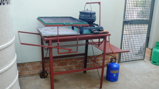 Steel  Trolley Braai with potjie device