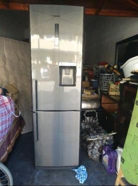 Samsung water dispenser frost free fridge freezer | Junk Mail