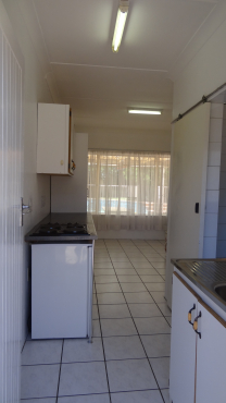Neat Affordable Bachelor Flat. Water Included, Prepaid Electricity