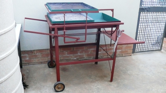 Steel  Trolley Braai with potjie device