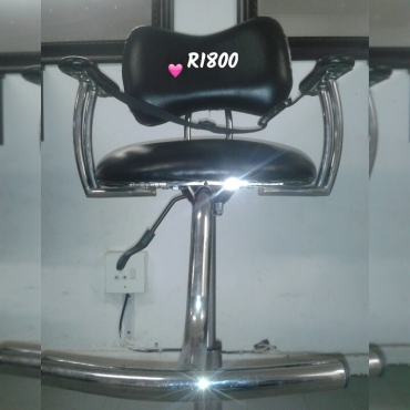 VARIOUS SALON EQUIPMENT FOR SALE