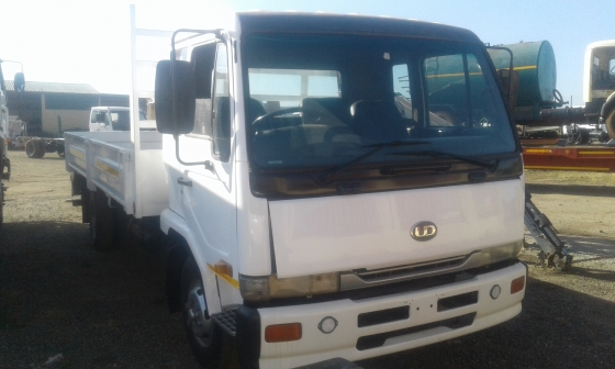 Nissan ud60 truck for sale