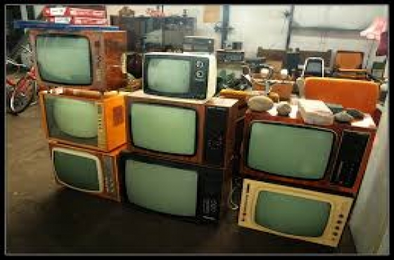 Wanted Old TV sets that works. Germiston.