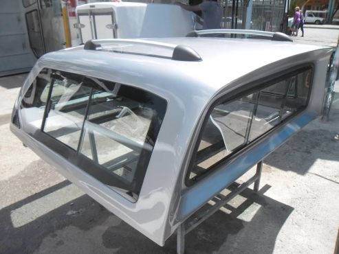 HILUX 2005 DC BEEKMAN EXEC CANOPY 7548
