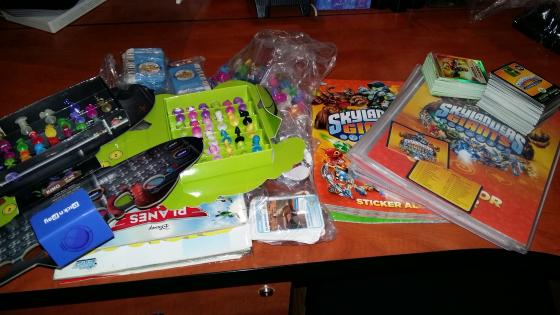 Stickeez, PNP Animal Cards, Sticker books, Card books (Skylander)