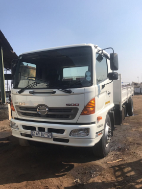 2012 Hino 1626 with dropsides