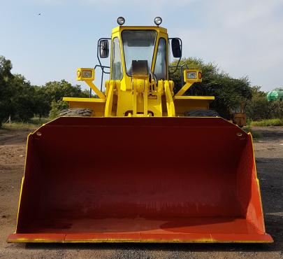Komatsu WA420 Front End Loader(Wheel Loader)