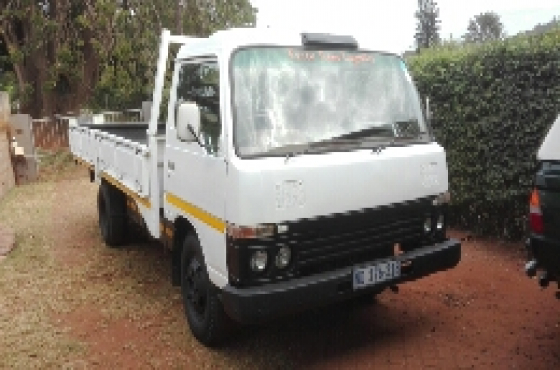 Cabstar truck for sale