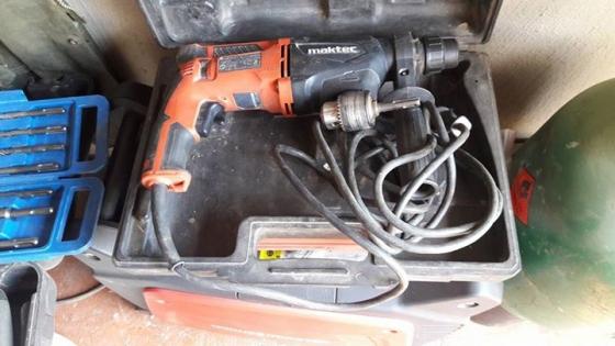 Maktec-MT870 Hammer/Drill action