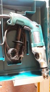Makita-HP2070 vàriable speed Hammer/Drill